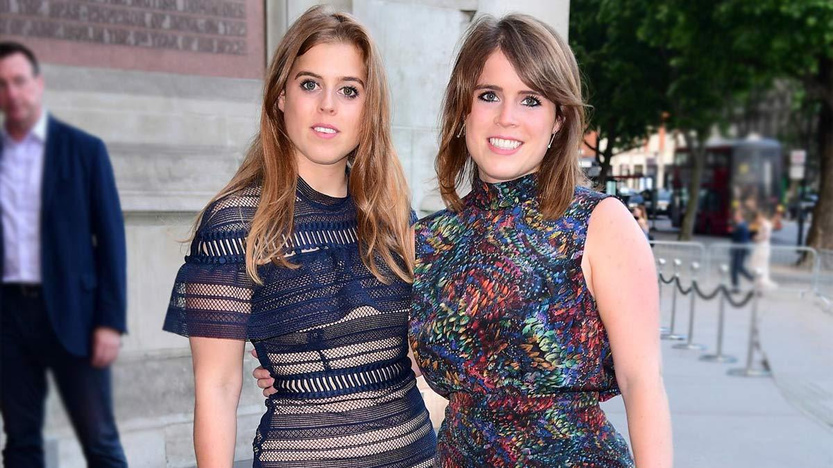 Fotos de las princesas Beatriz y Eugenia de fiesta