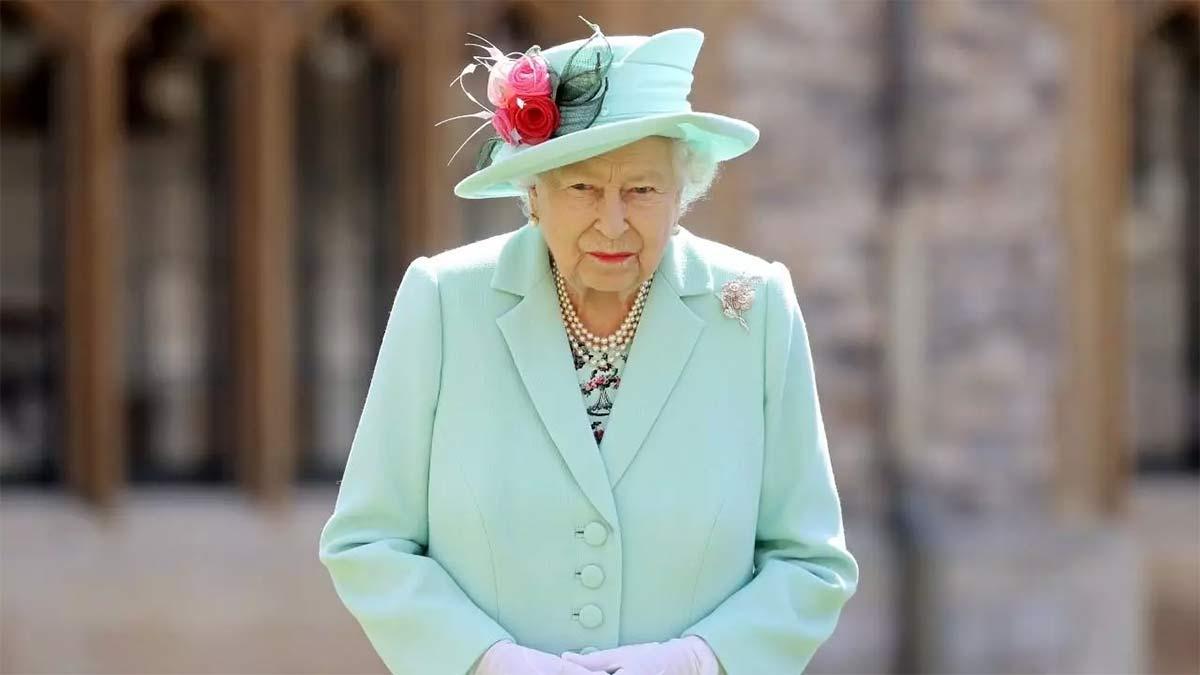Reina Isabel le quitó los reconocimientos a Harvey Weinstein