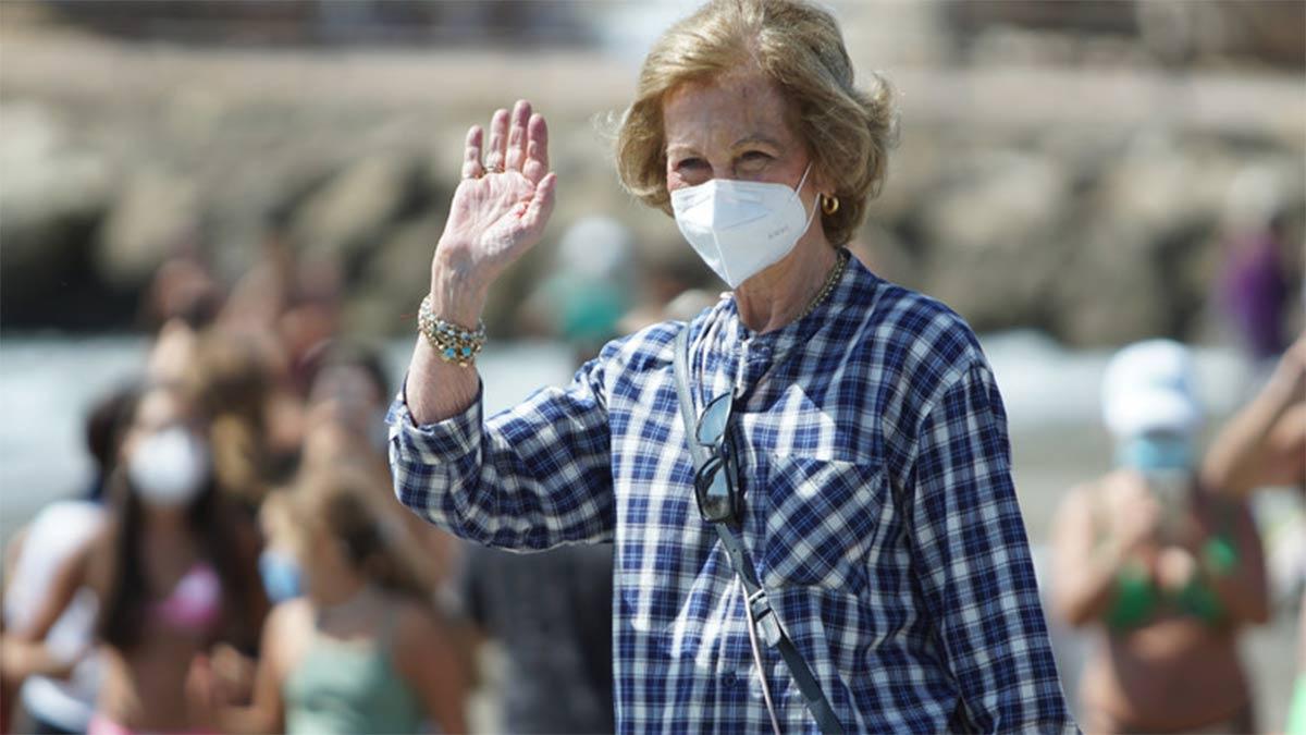 la reina Sofía en las playas de Málaga