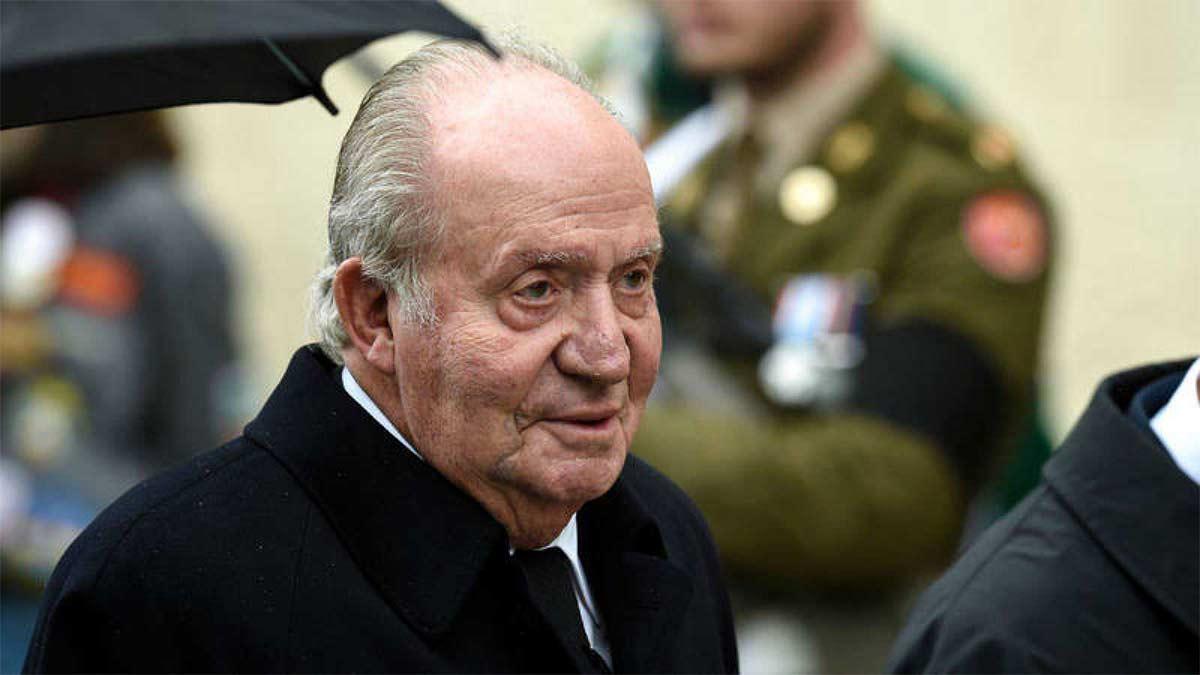 El rey Juan Carlos regresa a España