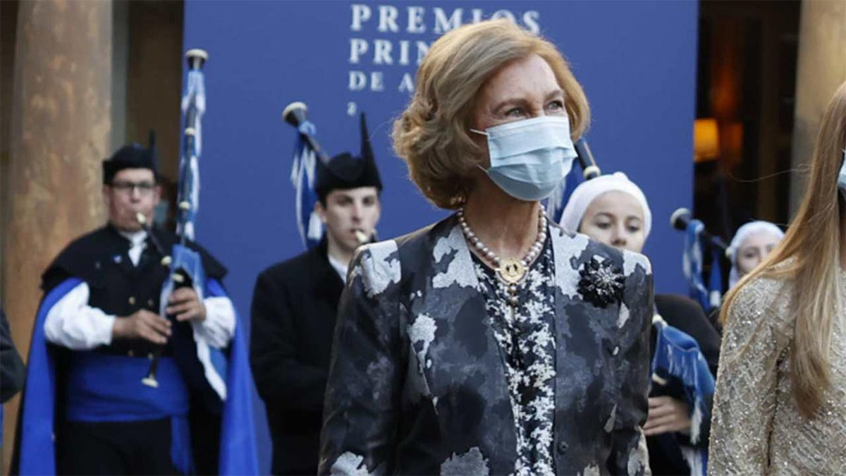 Pregunta sobre el rey Juan Carlos a la reina Sofía