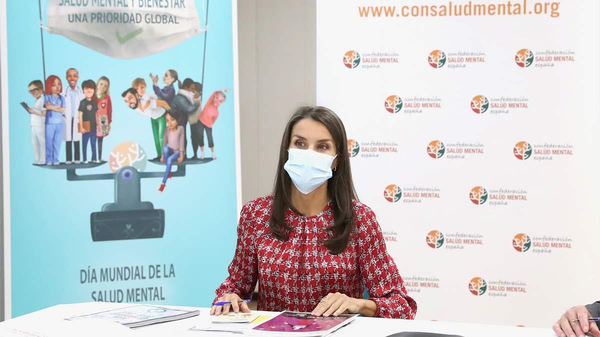 Visita de la reina Letizia a zonas confinadas en Madrid